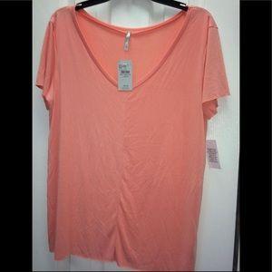 NWT! BKE Buckle light pink T-shirt